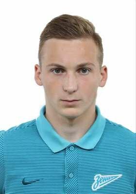 Футболист Смирнов Максим