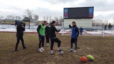 Блоггеры vs. футболисты ФК Нижний Новгород