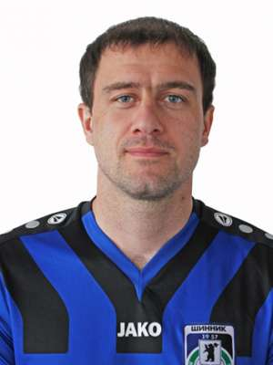 Футболист Цховребов Валерий