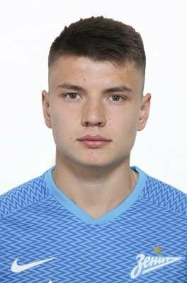 Футболист Мостовой Андрей