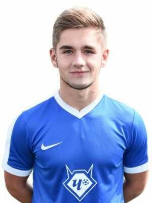 Футболист Горшков Юрий