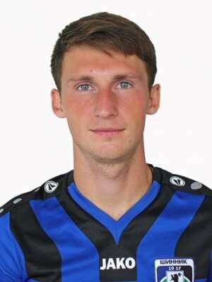 Футболист Алейников Василий