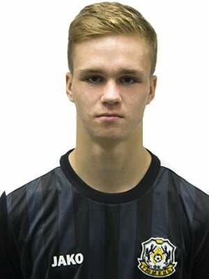 Футболист Докучаев Артем