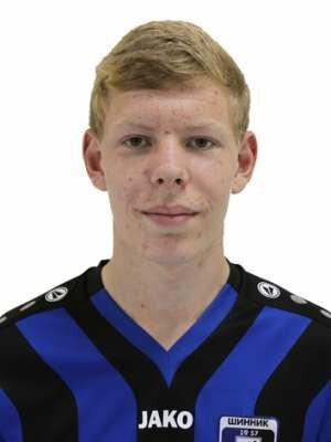 Футболист Рюзов Алексей
