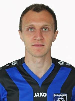 Футболист Деобальд Павел