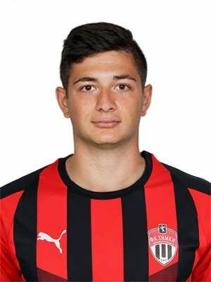Футболист Корян Аршак
